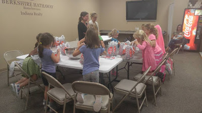 Washington Township Girl Scout Troop #2220 Takes Part in Indy Do Day